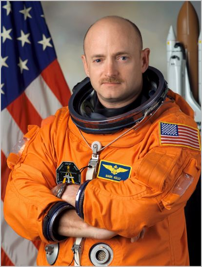 kelly jones wife. Astronaut Mark Kelly.