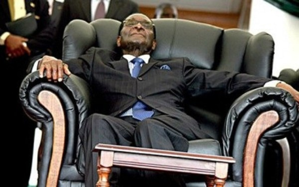 mugabe-sleeping-4