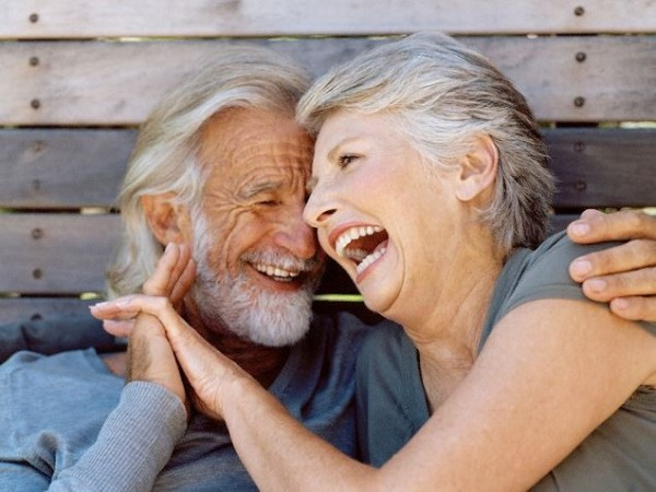 Old-couple-laughing