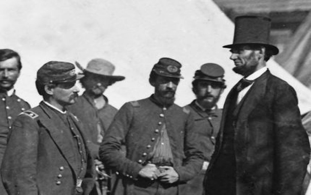 abrahamlincolnvisitingsoldiers